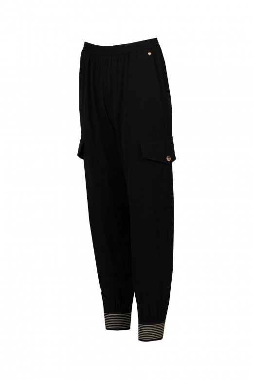 Loose-fitting cargo joggers