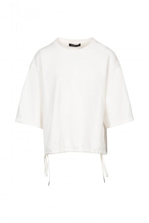 Sweater con bordado perforado