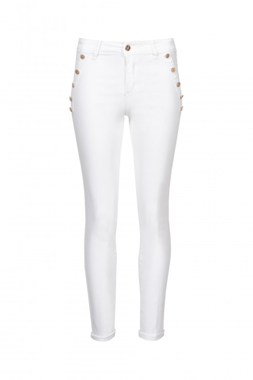 Pantalón de cintura media con botones en la parte delantera