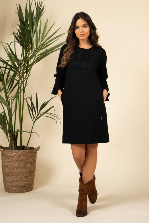Ruffled dress with side in-seam pockets