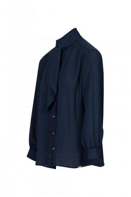 Blusa con cuello entrelazado