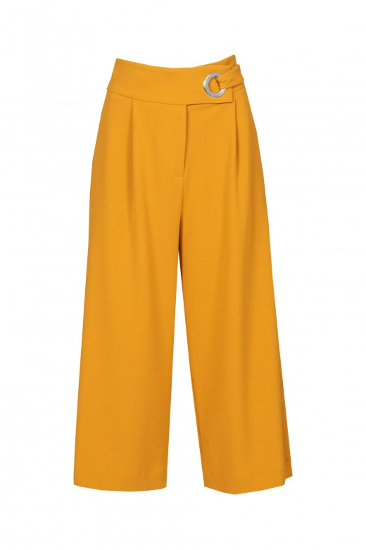 Cullote pants with eyelets