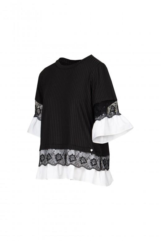 Túnica com folho em camisa e renda