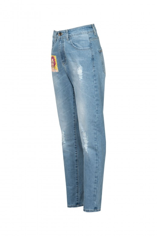Jeans cintura média com estampado