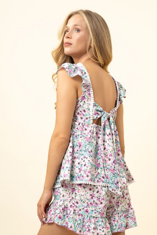 Flowery top with open coast