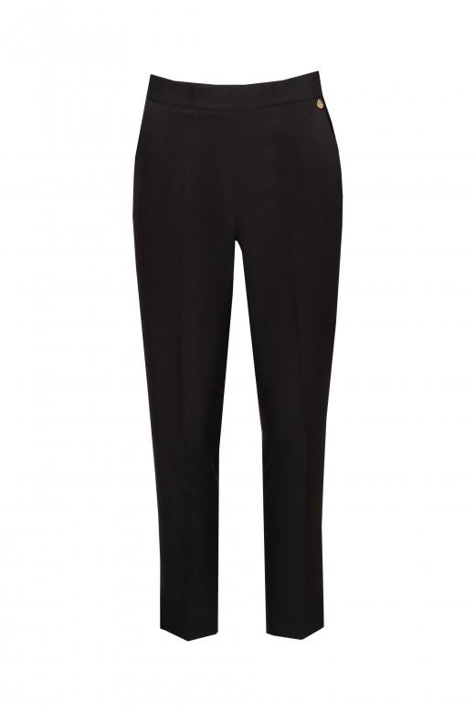 Classic medium-waisted trousers