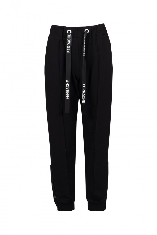 Jogger pants with springs