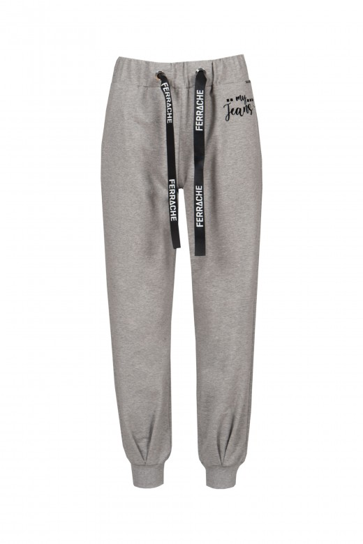 Jogger pants with cuff logo