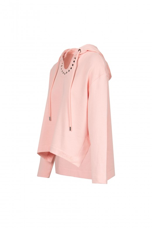 Hooded sweat sport with studs