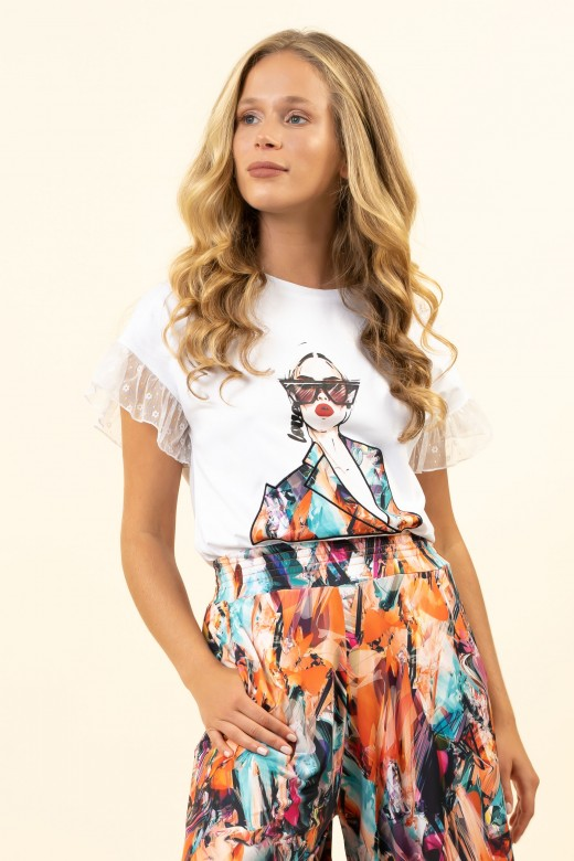 T-shirt with lace ruffle