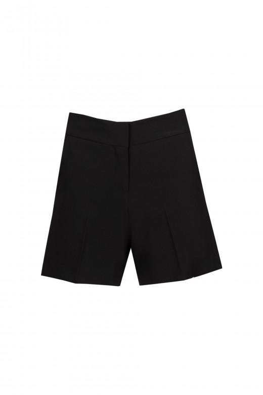 Shorts with custom elastic