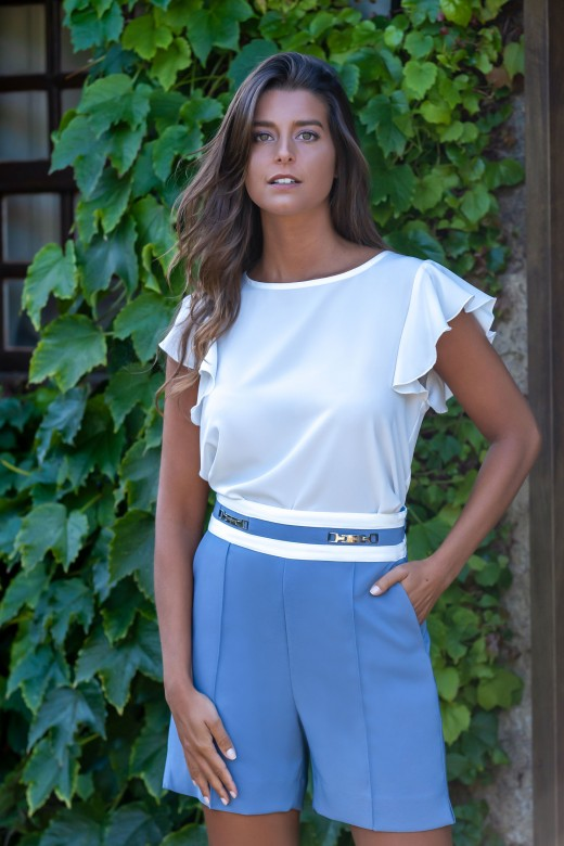 High waist shorts with slits