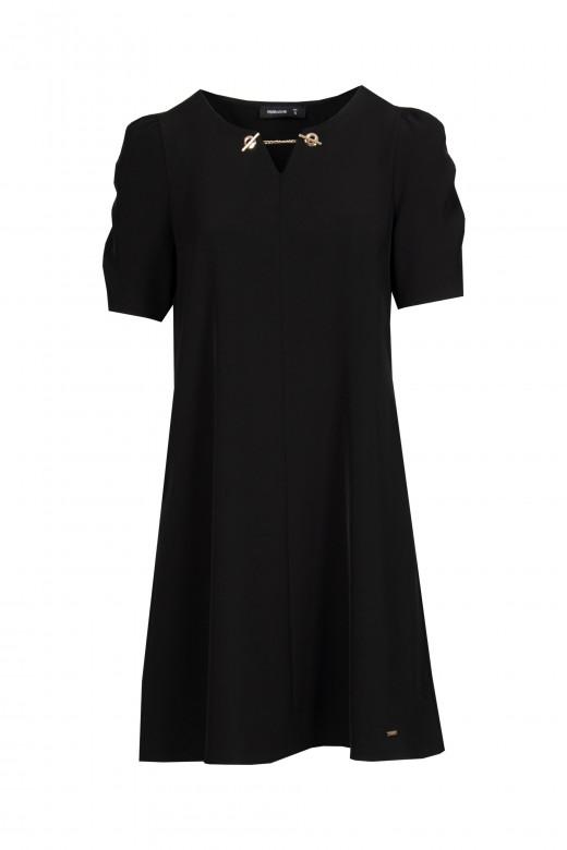 Vestido curto em godé