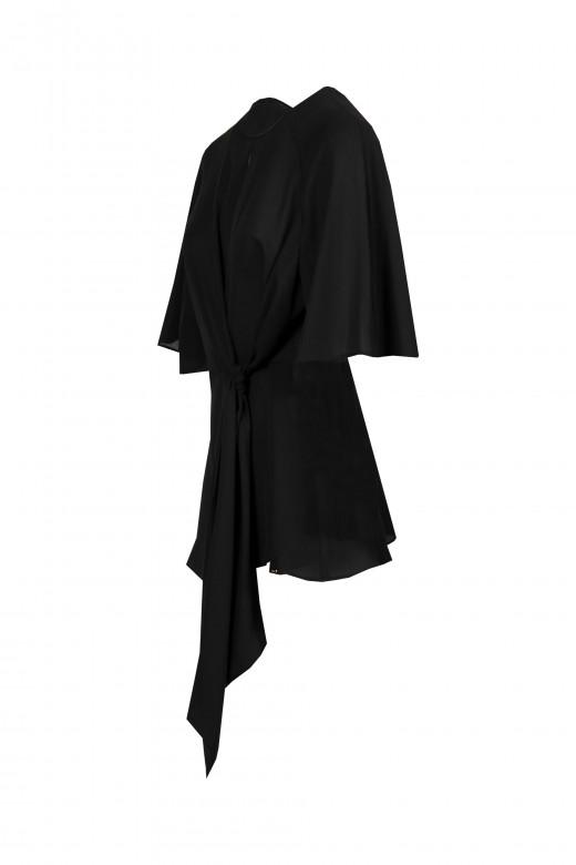 Abertura de túnica en la espalda