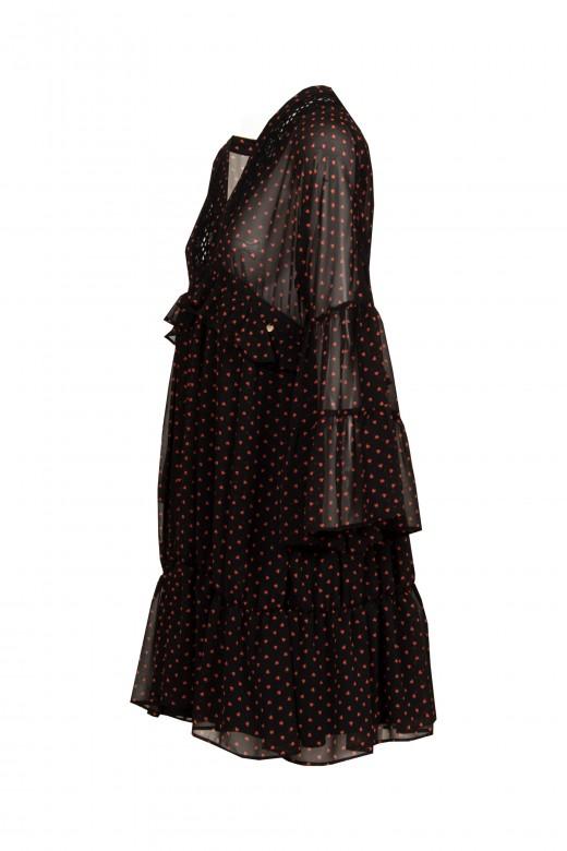 Robe avec détail dentelle à l encolure